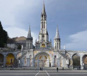 Celebrações em Lourdes recordam aparições de Nossa Senhora a Bernadete